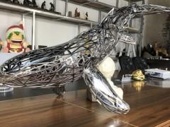 开封不锈钢镂空鲸鱼雕塑 工艺金属动物雕塑景观定制